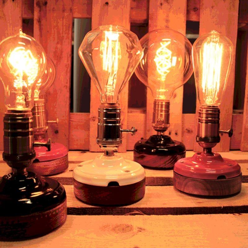 Lampada da Tavolo Artigianale E27 Nero/Oro Ceramica e Legno - Diffusione Luce srl